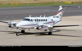 Bild: 16504 Fotograf: Frank Airline: UkSATSE Flugzeugtype: Beechcraft B300 Super King Air 350