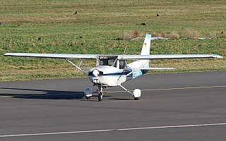 Bild: 16917 Fotograf: Frank Airline: Aero-Club Hildesheim-Hannover e.V. Flugzeugtype: Reims Aviation Reims-Cessna F152 II