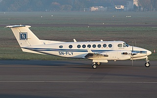 Bild: 18049 Fotograf: Frank Airline: Julius Berger Nigeria Flugzeugtype: Beechcraft B300 King Air 350
