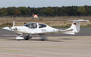 Bild: 19017 Fotograf: Frank Airline: Lufthansa Aviation Training Pilot Academy Flugzeugtype: Diamond Aircraft DA40-180