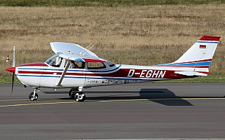 Bild: 20449 Fotograf: Frank Airline: Privat Flugzeugtype: Reims Aviation Reims-Cessna F172H Skyhawk