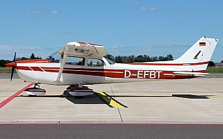 Bild: 20095 Fotograf: Frank Airline: Privat Flugzeugtype: Reims Aviation Reims-Cessna F172N Skyhawk